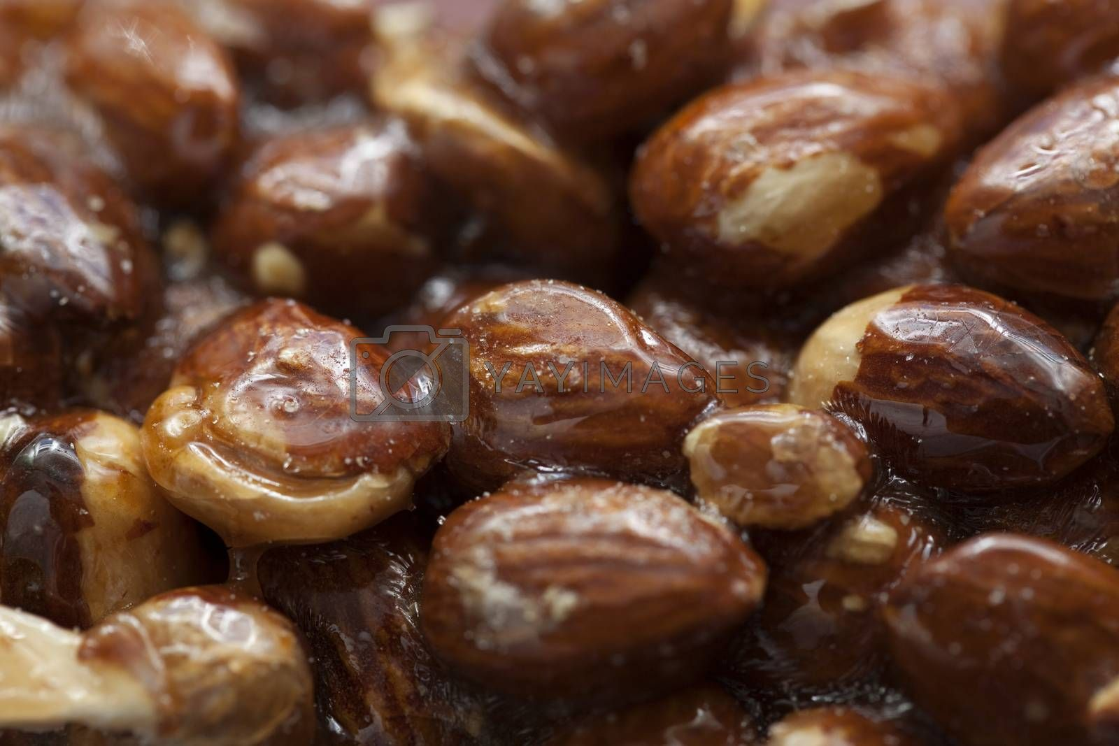 almonds in caramel by dabjola