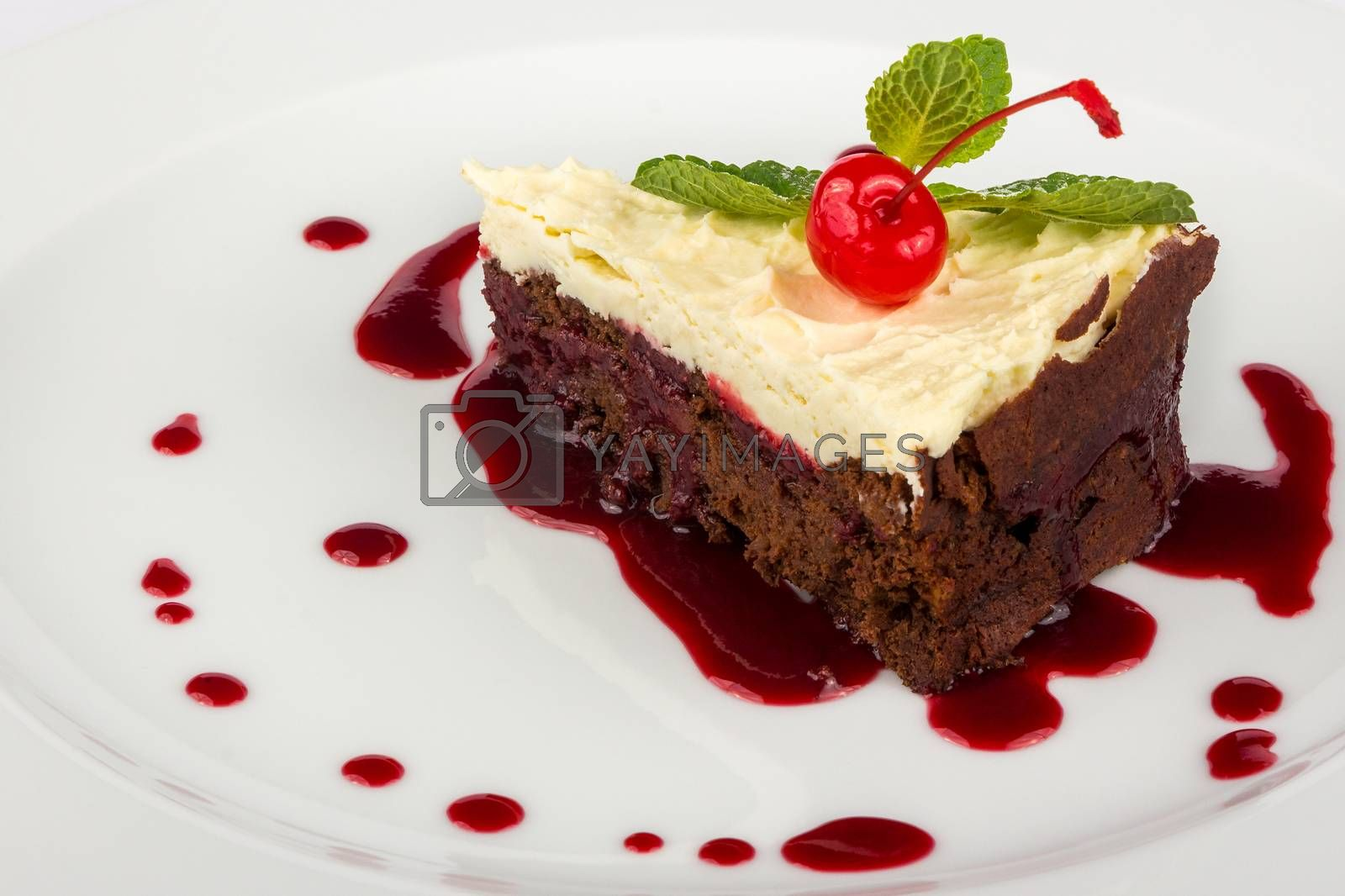 chocolate cake with mascarpone and cherry by Pellinni