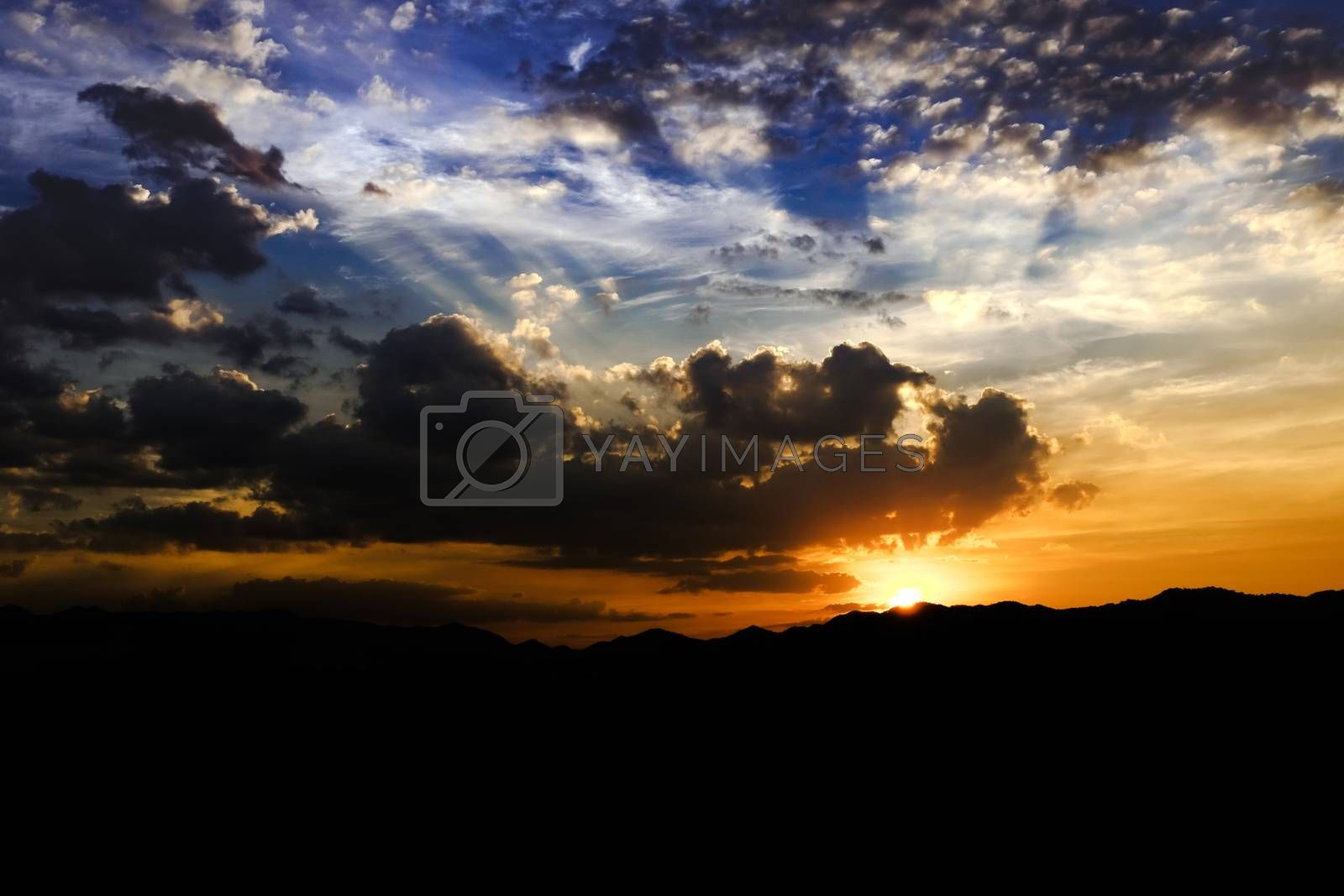 skie clouds sunset and sunlight background