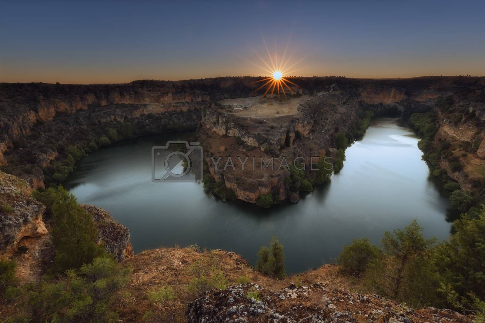 Sunrise ovre Duraton River in Segovia, Spain