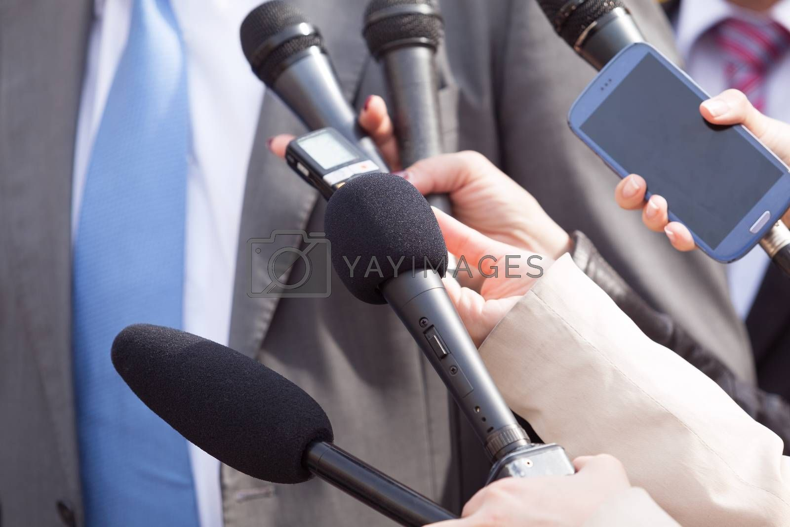 Media interview. Press conference.