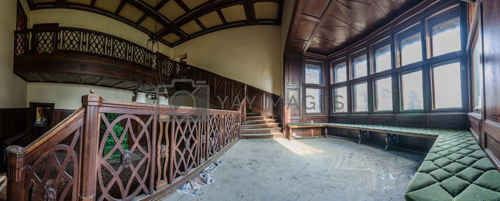 abandoned hunting lodge panorama view