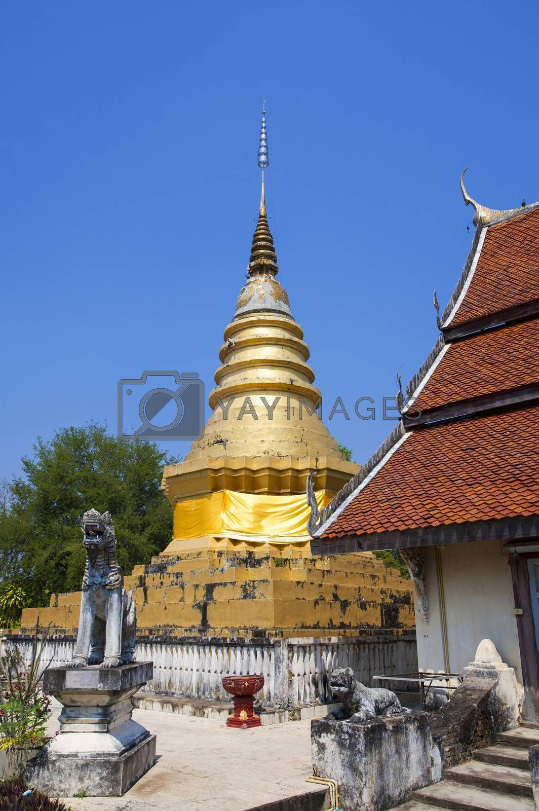 wat pratatchomping,Ancient and ancient located in Lampang.