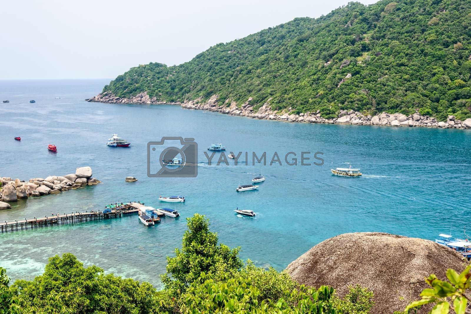 High angle view beautiful natural landscape sea at Ko Tao and pier for boat trip at Koh Nang Yuan Island during summer is a famous tourist attraction in the Gulf of Thailand, Surat Thani, Thailand
