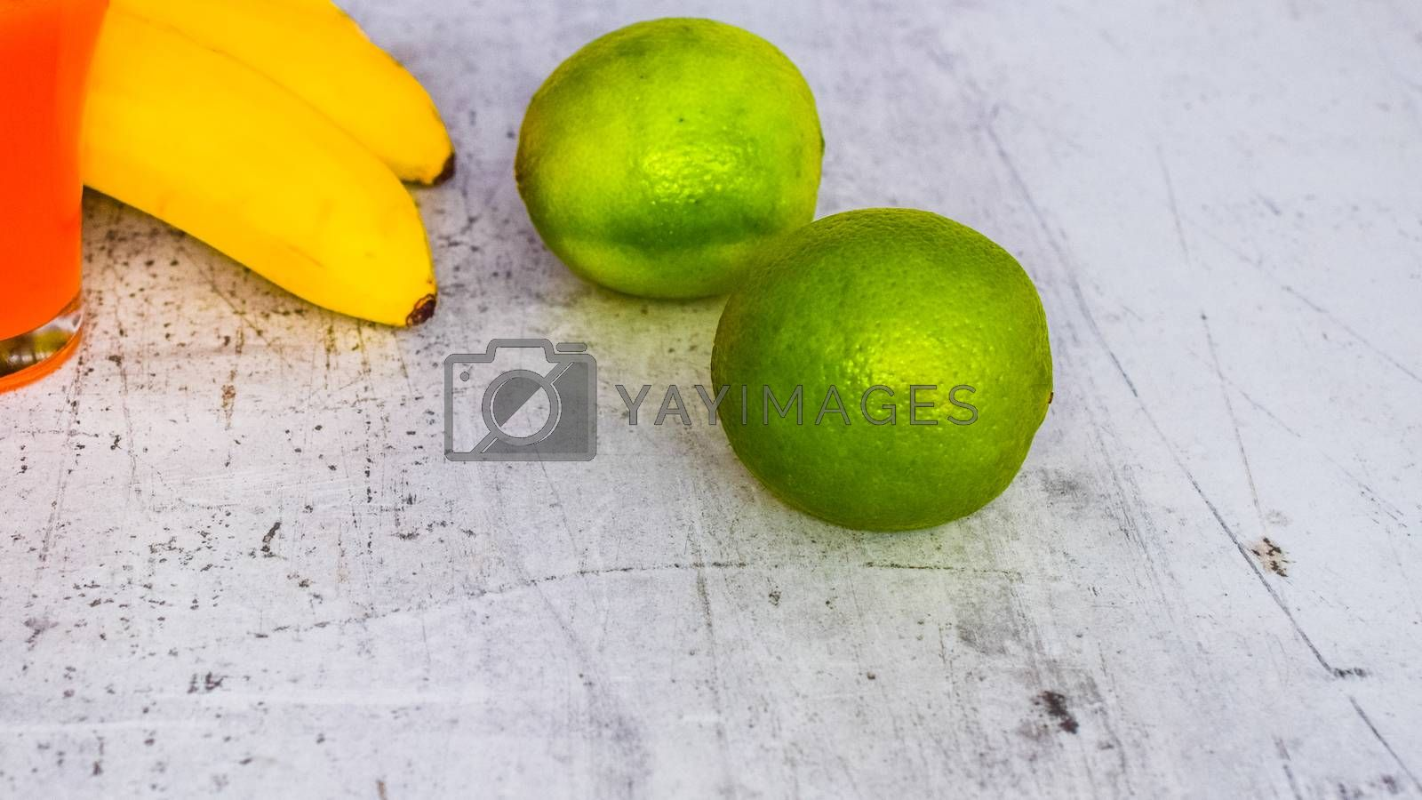 lime combined with drinks and other fruits