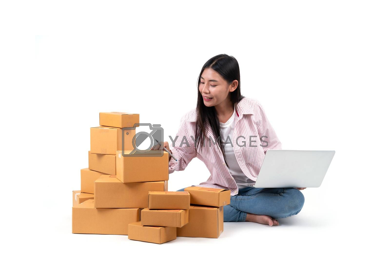 woman working sell online by anankkml