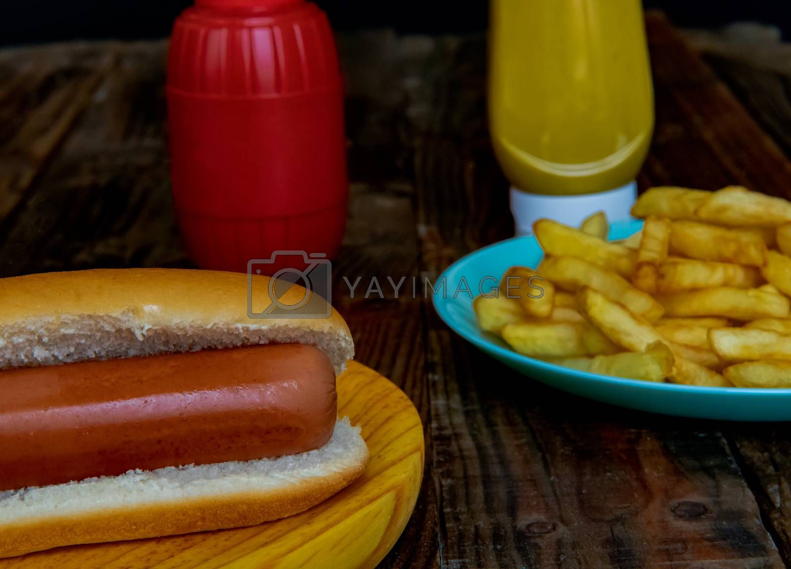 Hot dog and chips by Barriolo82