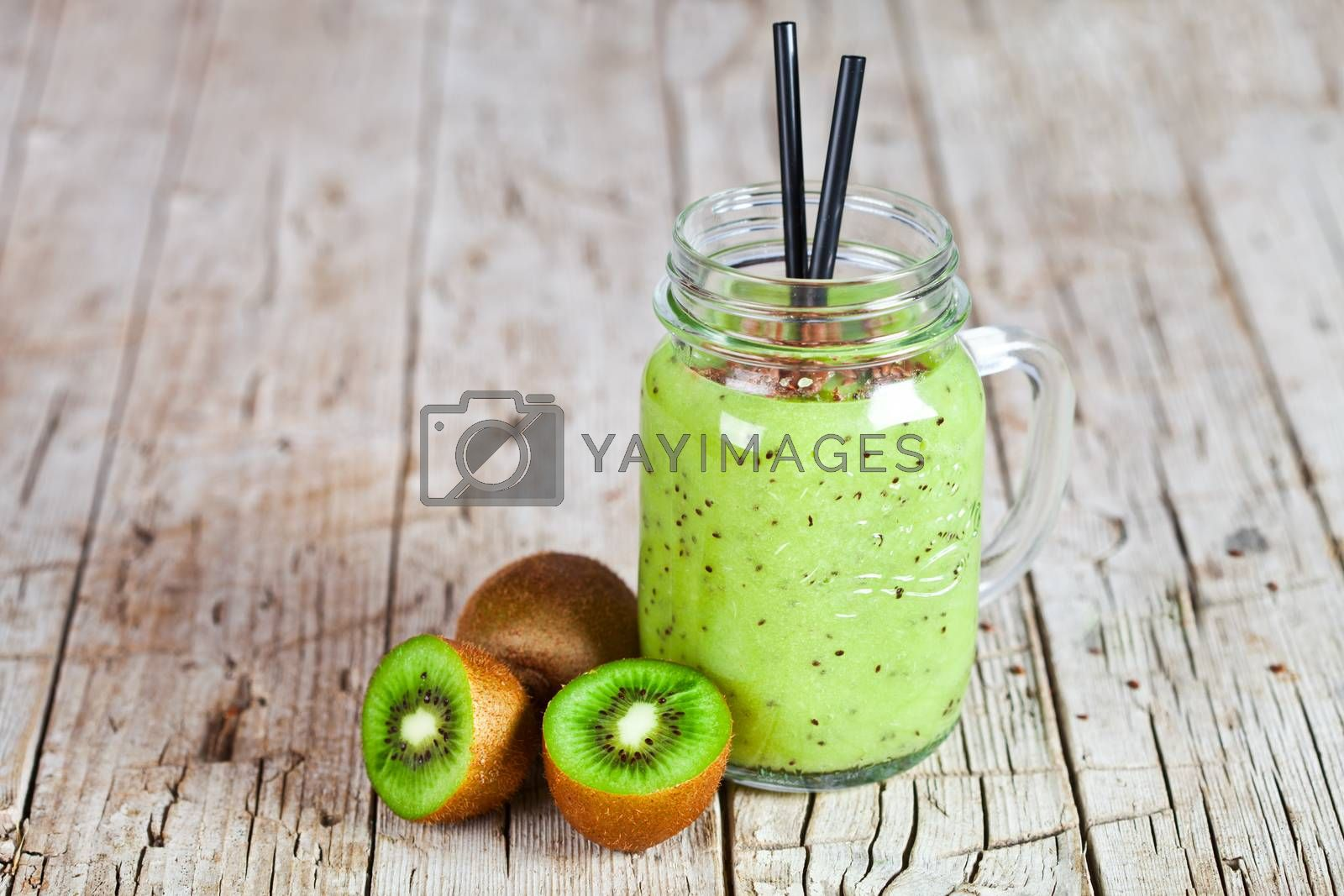 Green smoothie with kiwi, apple, lemon and linen seeds. Healthy  by marylooo