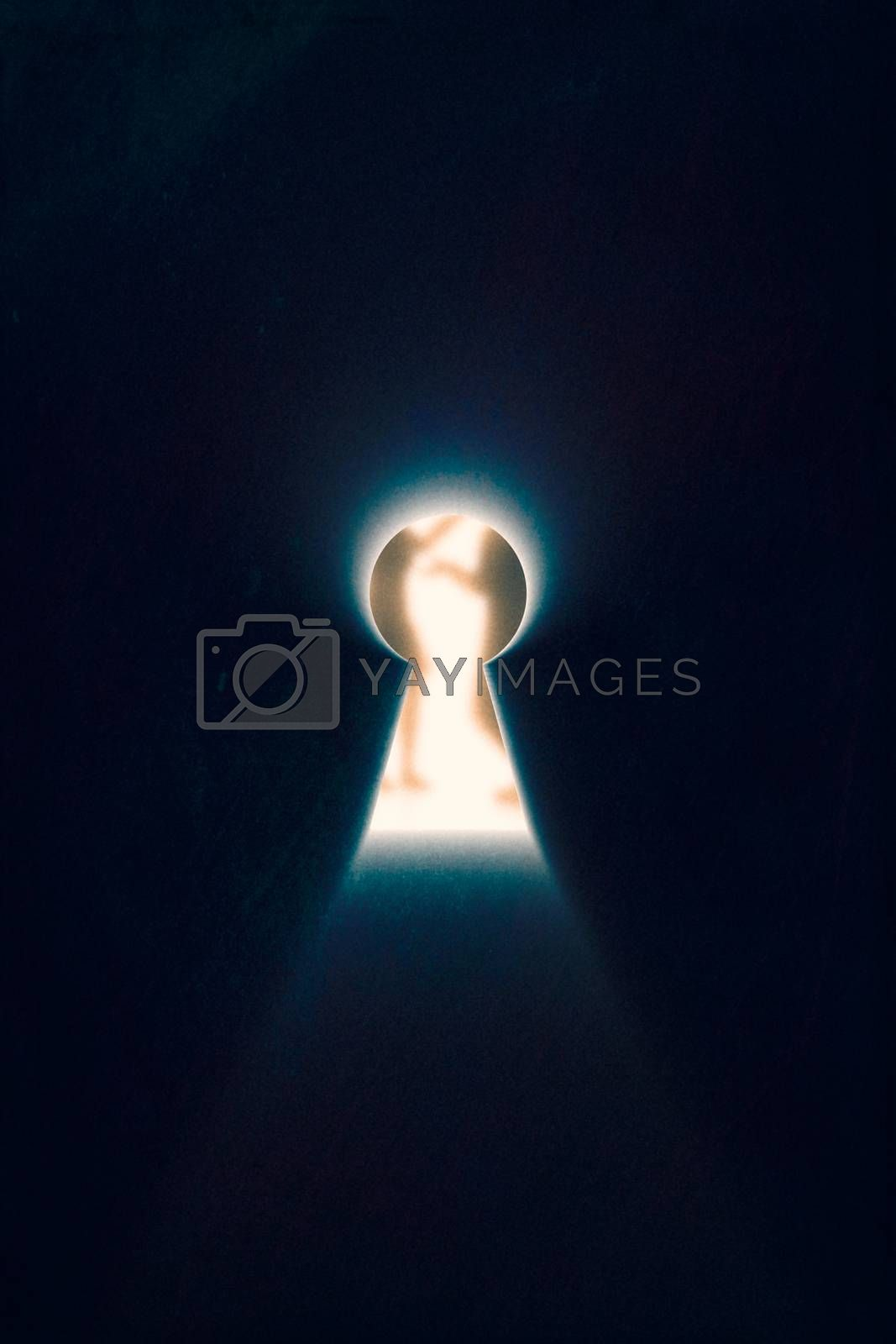 Keyhole with rays of light by clusterx
