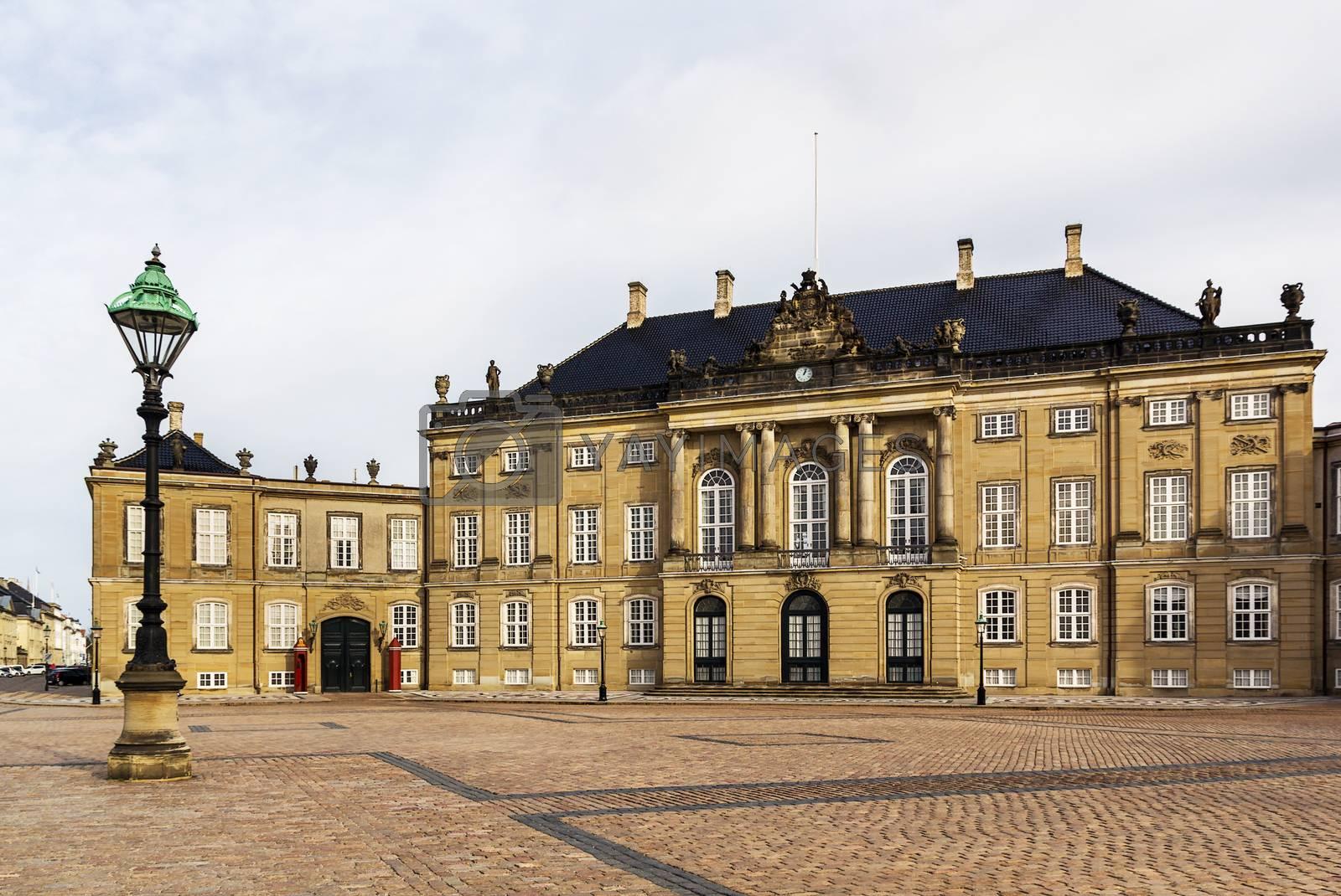 Amalienborg, Copenhagen by borisb17