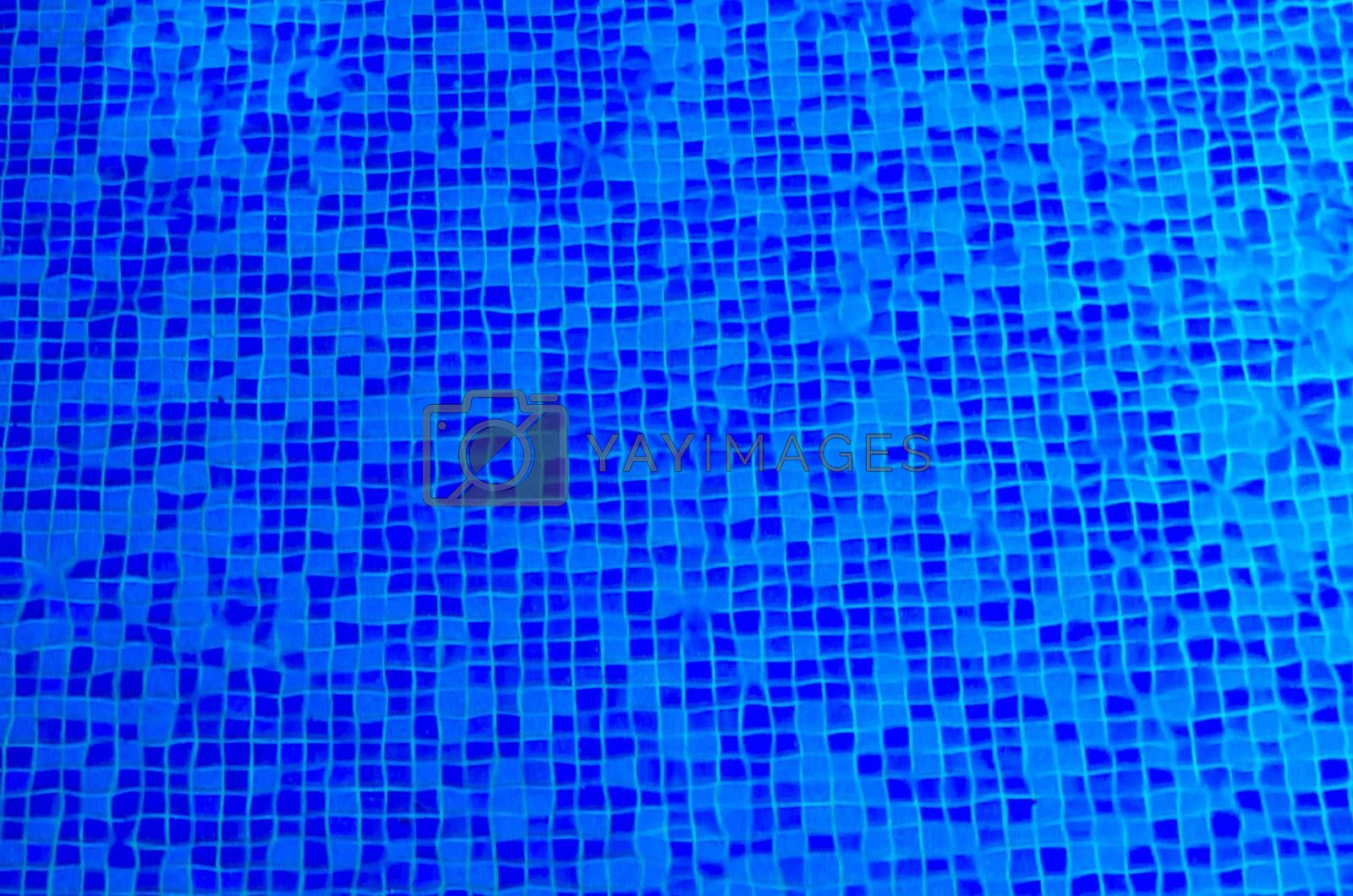 clear water in the pool