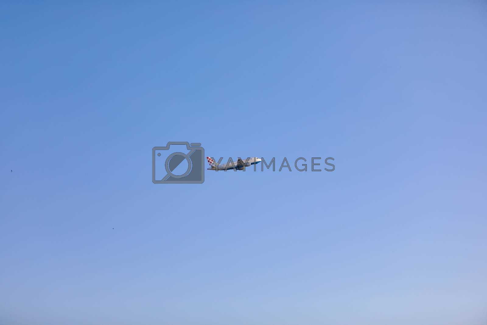 Low-level flying aircraft was caught with Canon camera