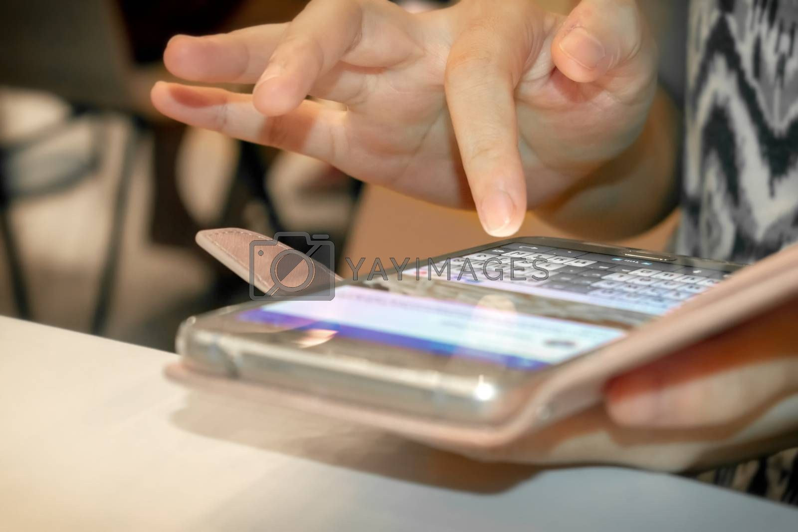Finger Typing with the Onscreen Keyboard on a Smartphone