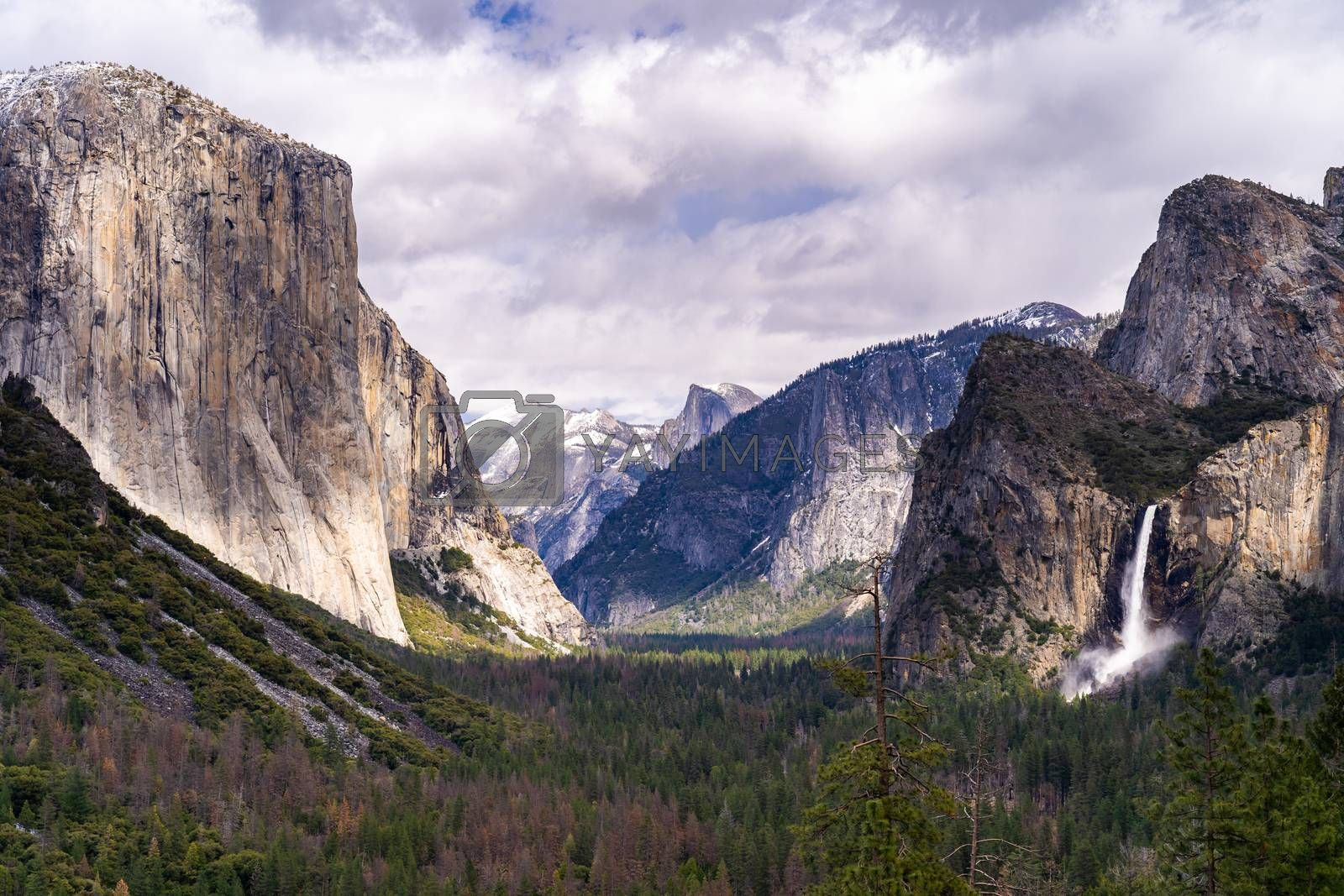 Tunnel View of Yosemite national Park in California San Francisco USA