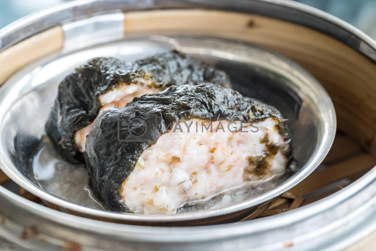 Chinese dim sum seaweed pork dumpling - Steamed Chinese groumet cuisine