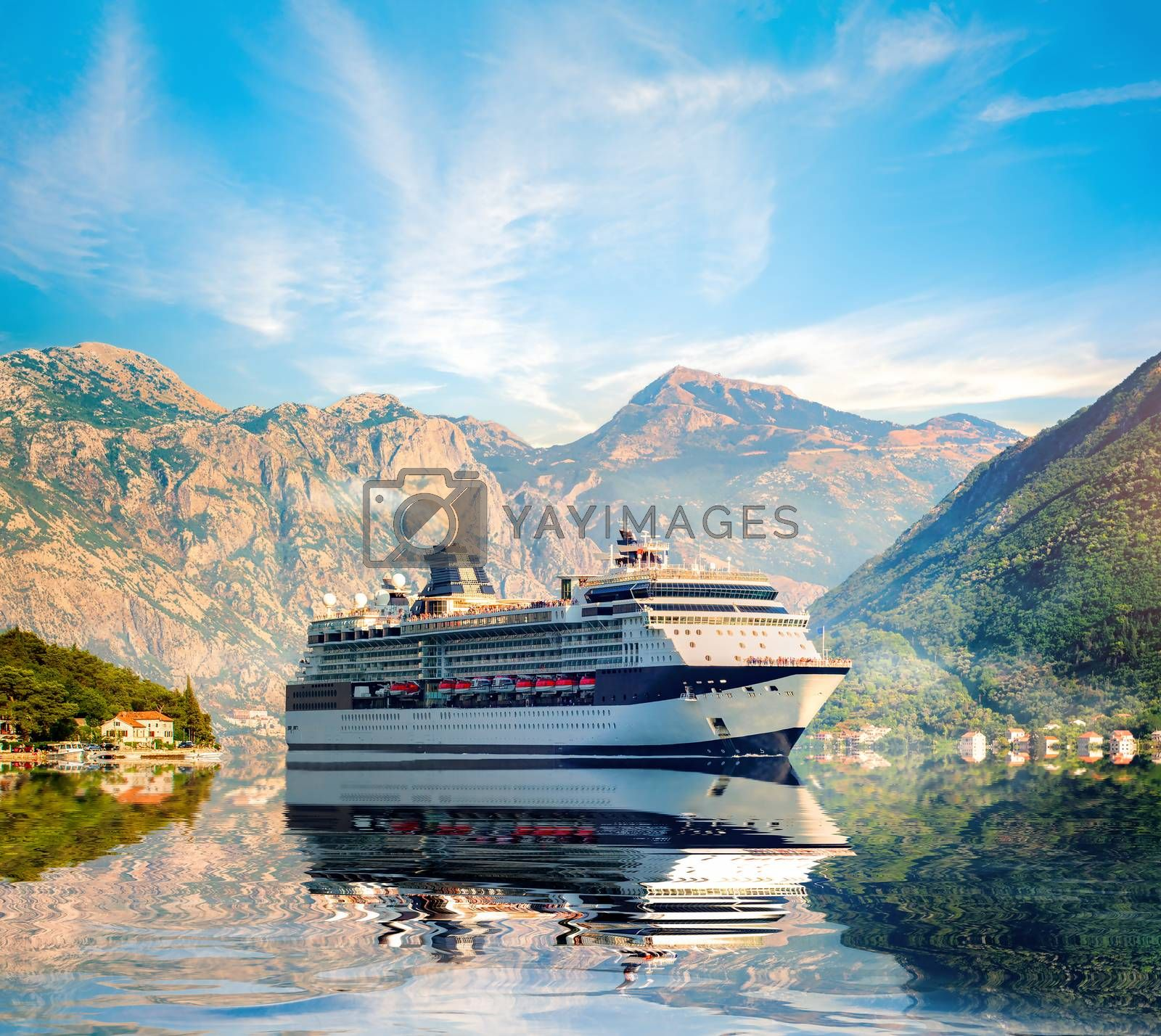 Cruise liner ship by Givaga