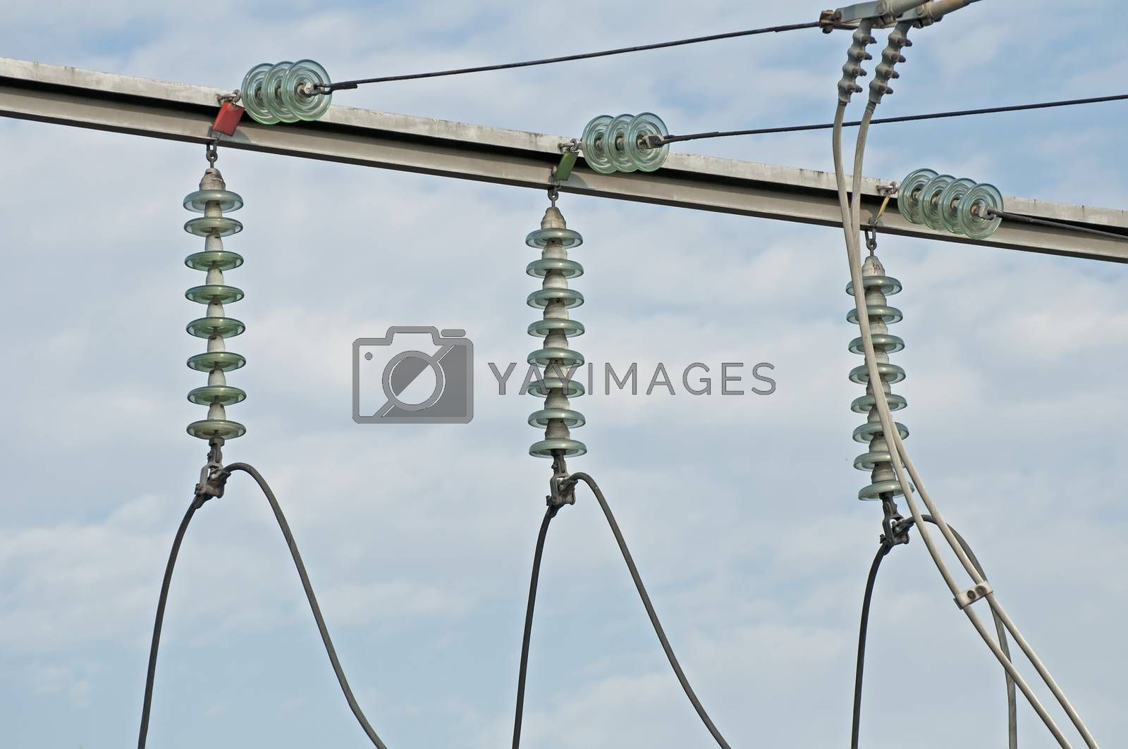 High-voltage wire connections