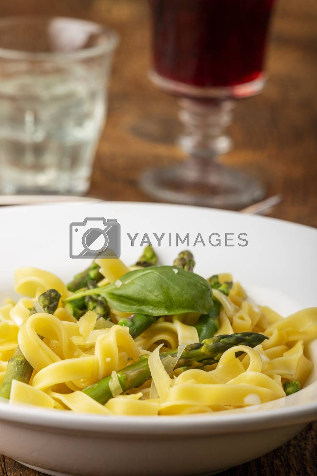 tagliatelle with asparagus
