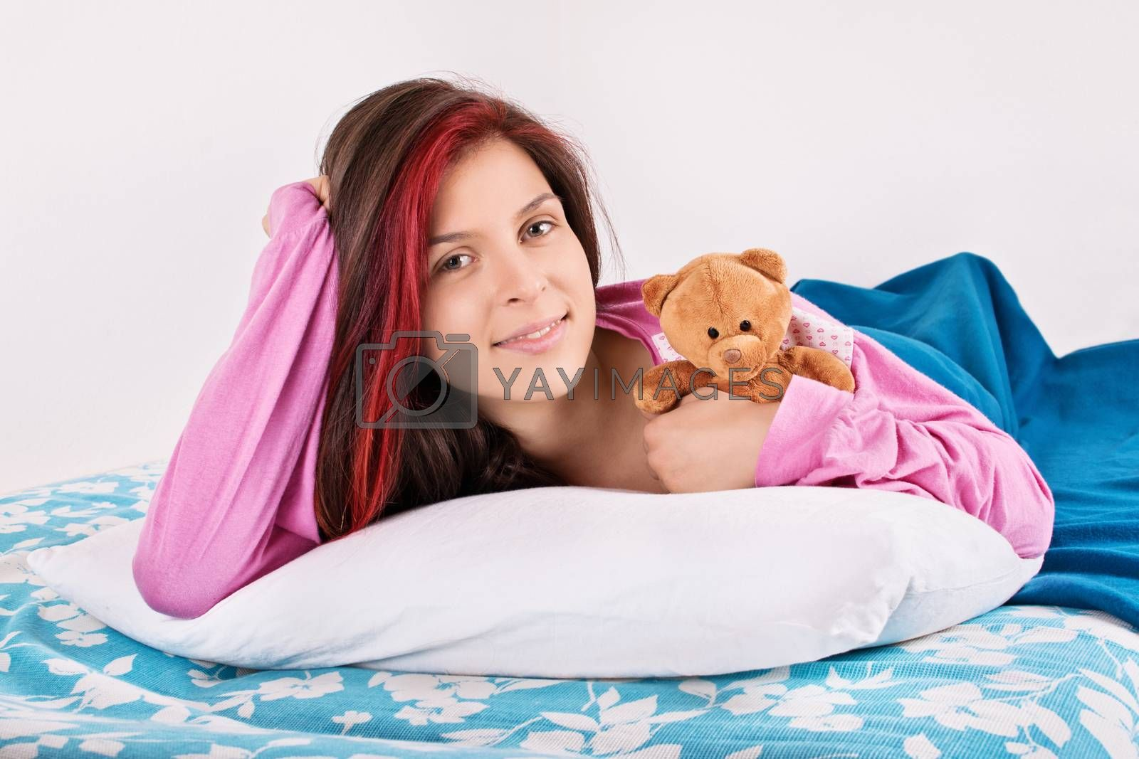 Young girl waking up with her teddy bear by Mendelex