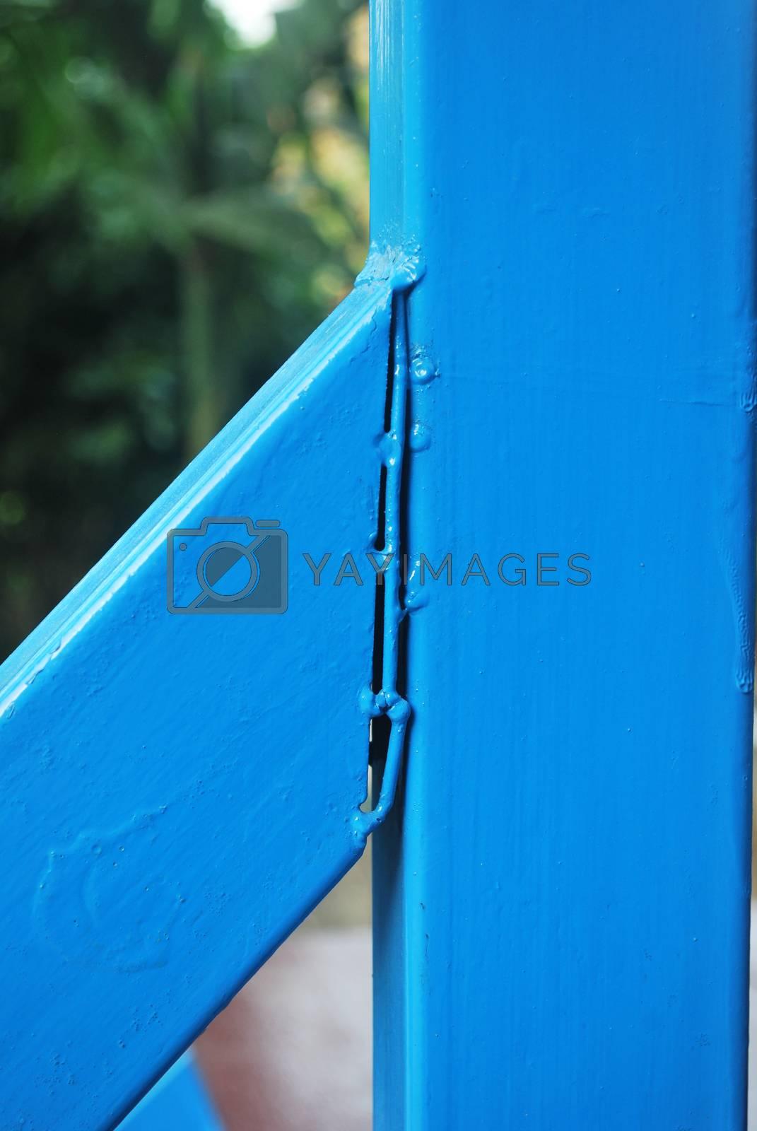 Welding of structural steel houses, painted rustproof.