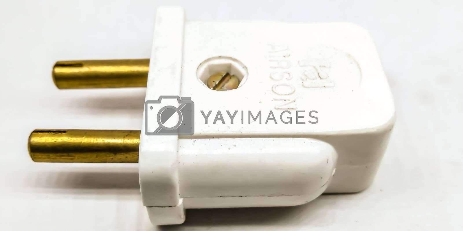 A picture of charger pin adapter