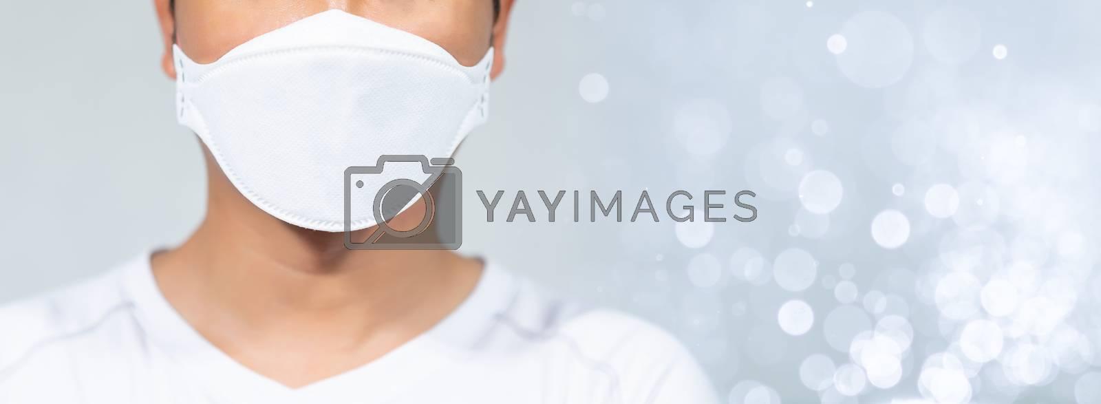 Men wearing masks to protect the coronavirus covid-19