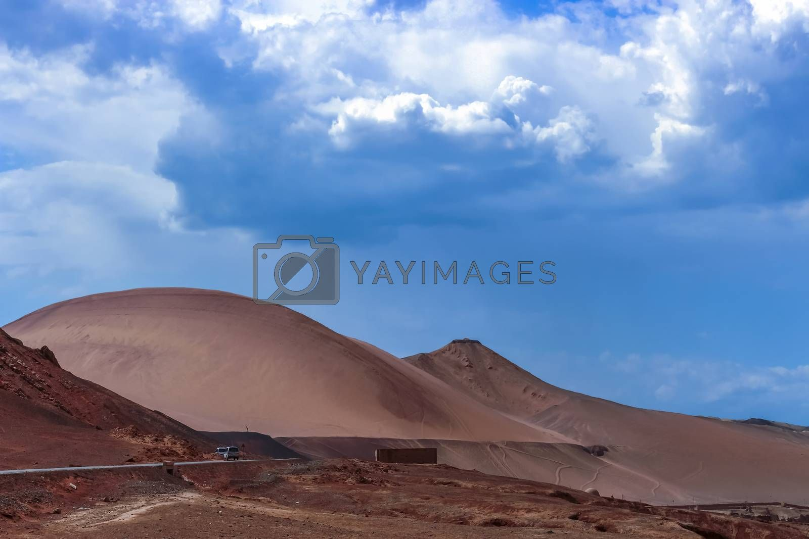 The Flaming Mountains average height is 500 meters, with some peaks reaching over 800 meters