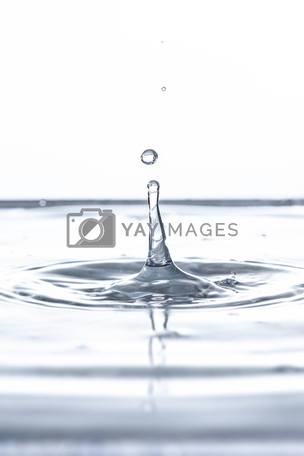 An image of a beautiful water drop background