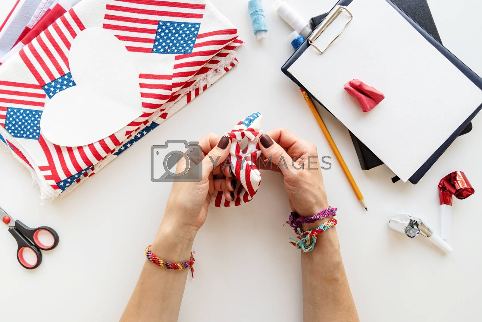 USA Independence Day DIY craft. DIY 4th of July step by step needle holder craft. Step 7 - turning the pin cushion cover out