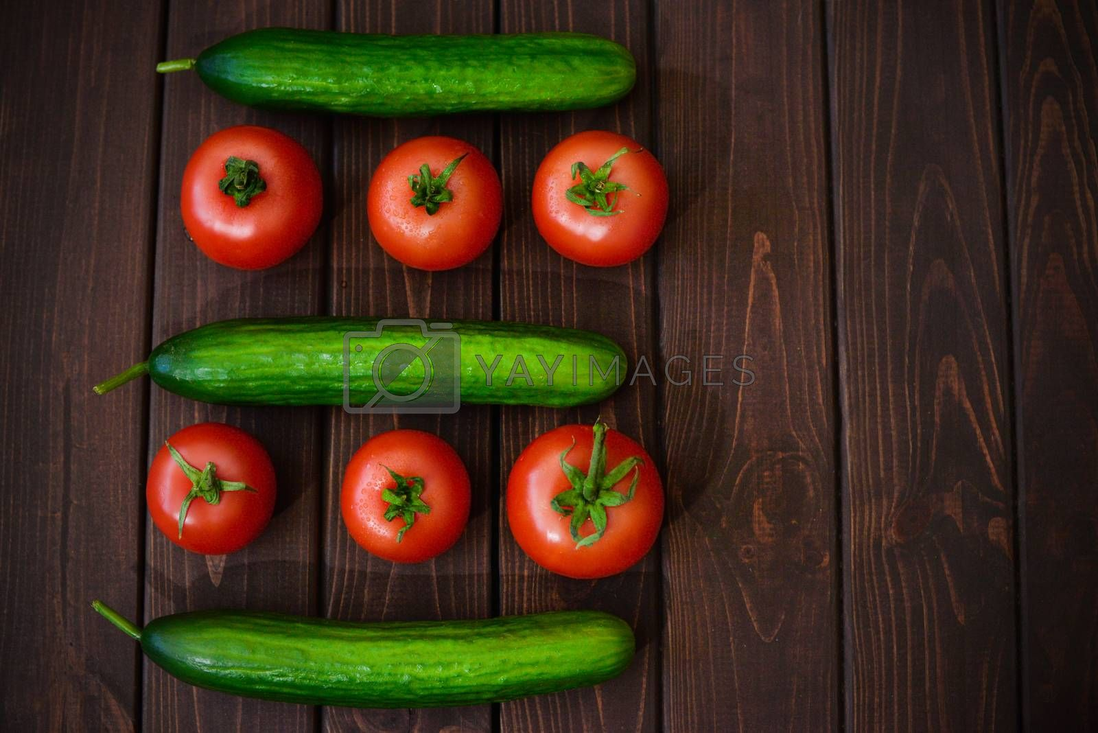 Tomatoes and cucumbers, the best traditional vegetables with low caloric content for ease and health of your organism.
