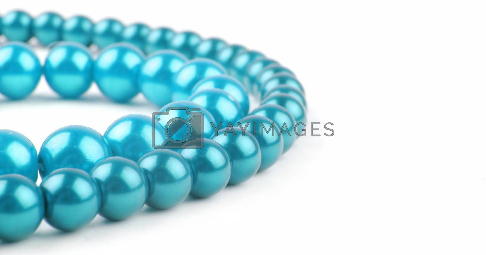 blue pearl necklace with copy space
