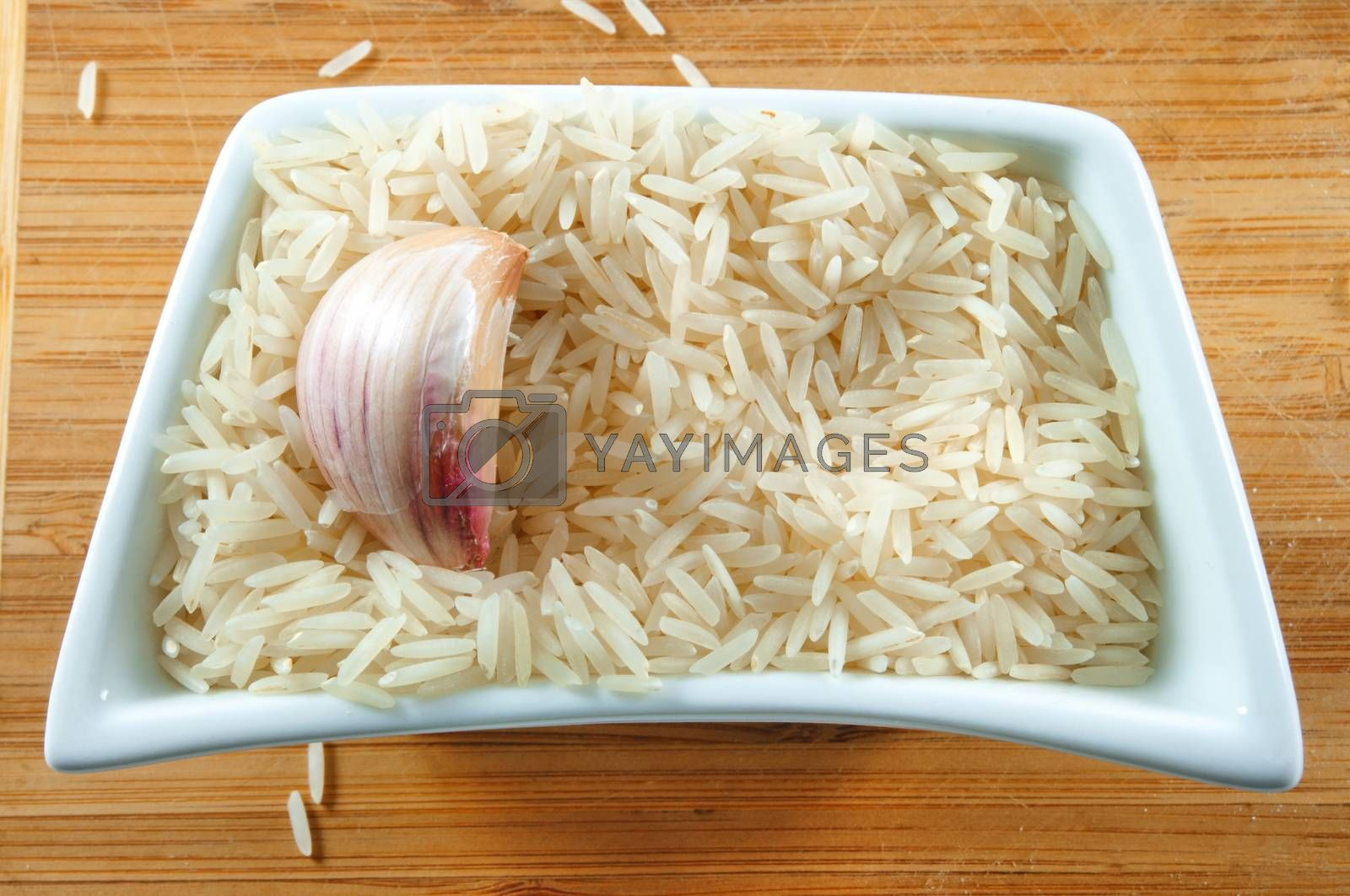 rice with garlic in bowl