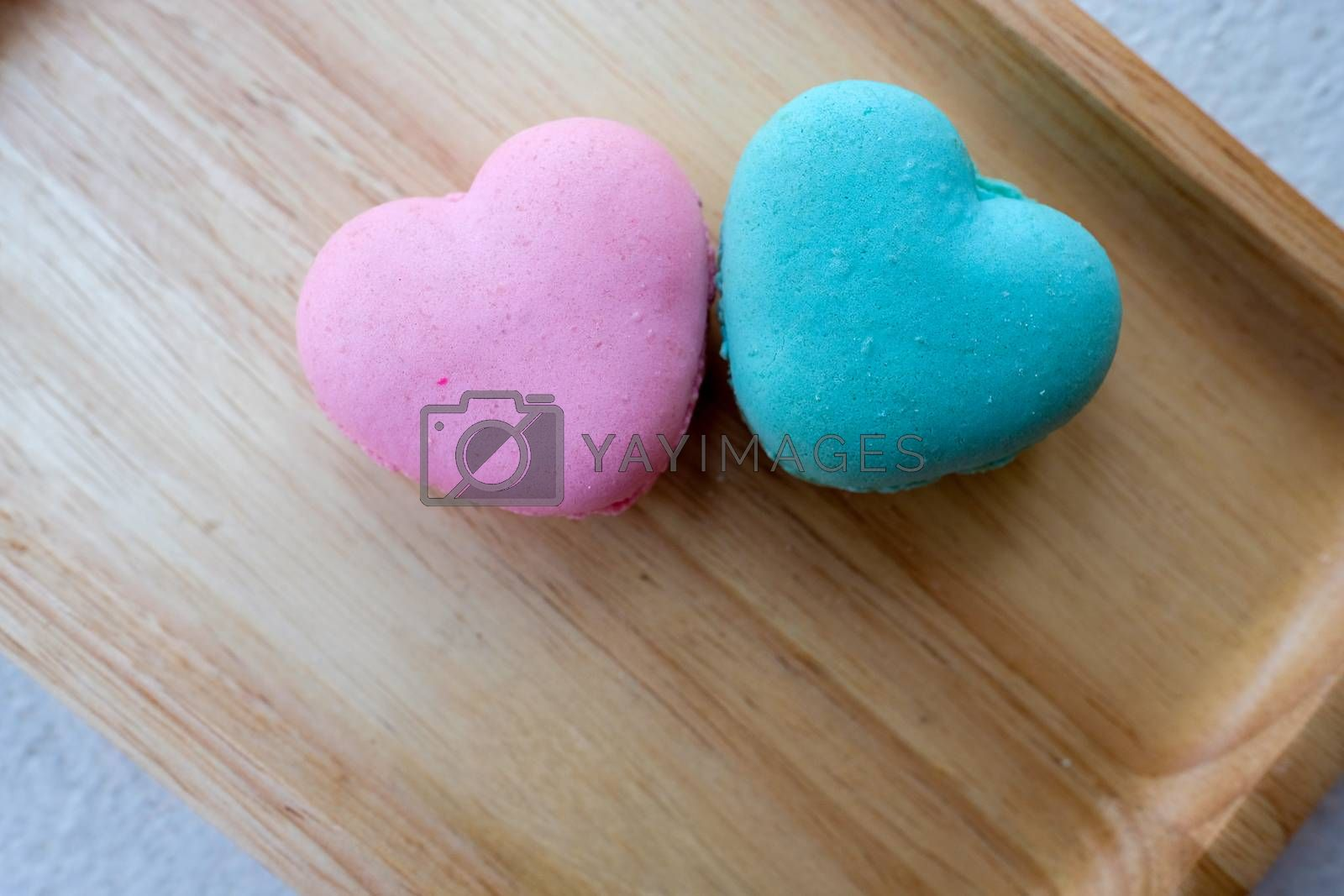pink and blue macaroons by Nawoot