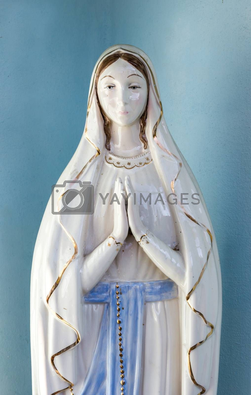 Virgin Mary statue by KYNA STUDIO