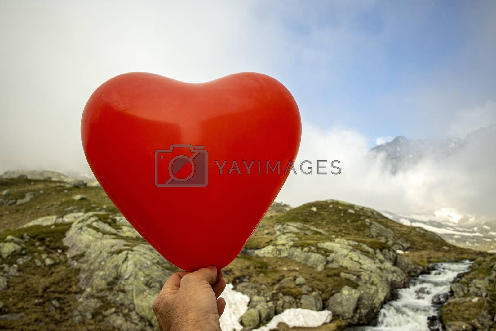 balloon heart in the alps