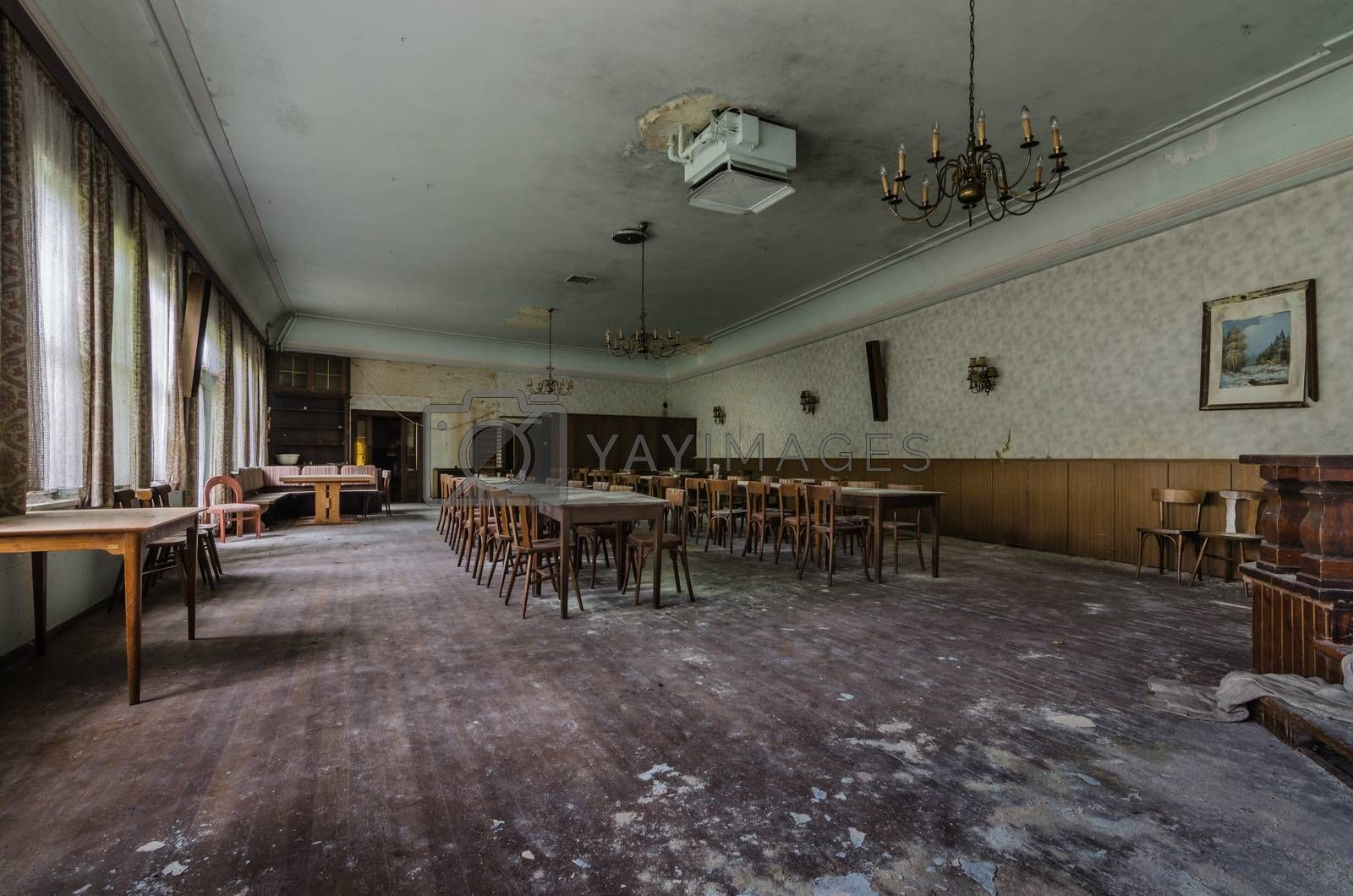 big room in a abandoned inn in a village