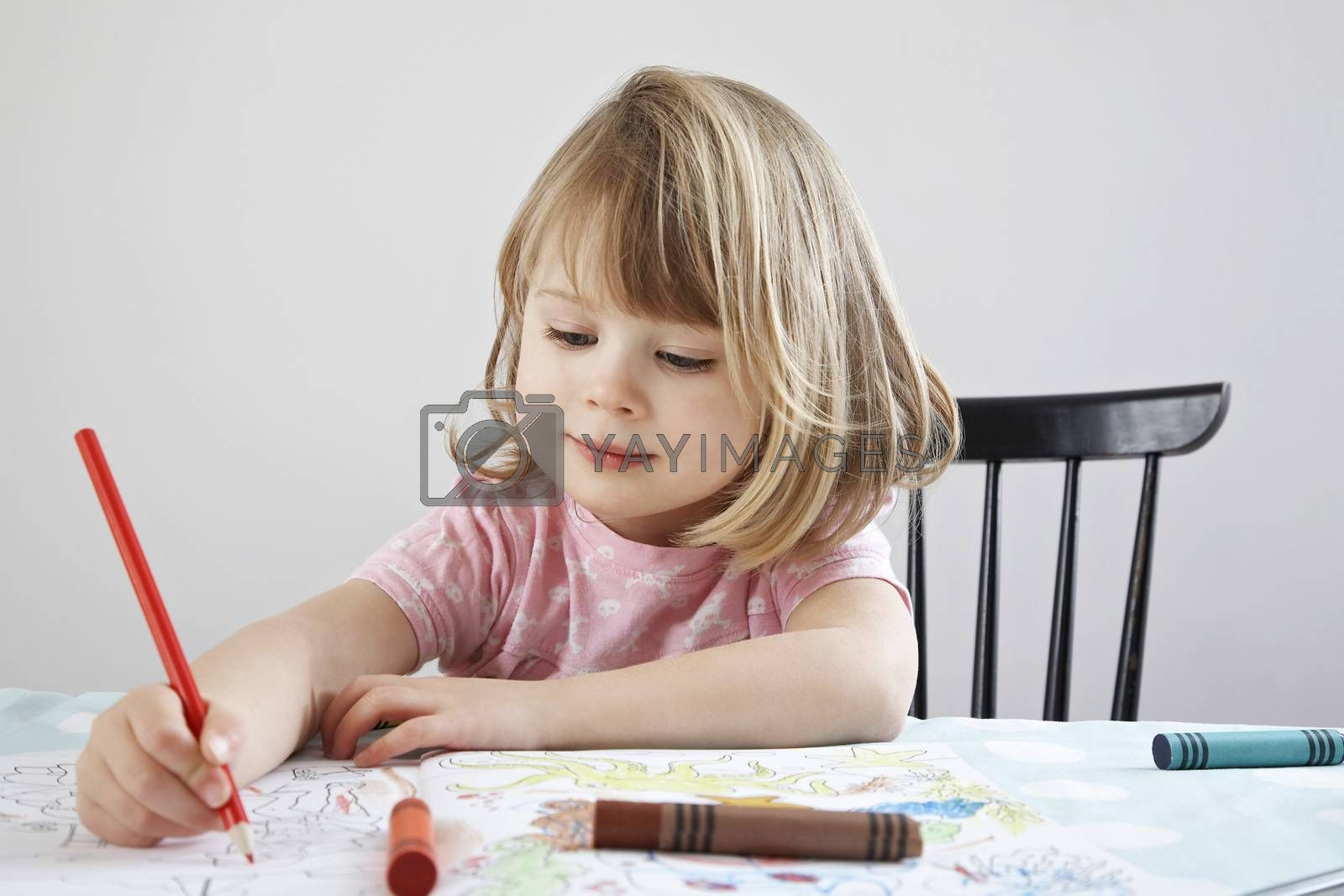 Girl (3-4) colouring in book