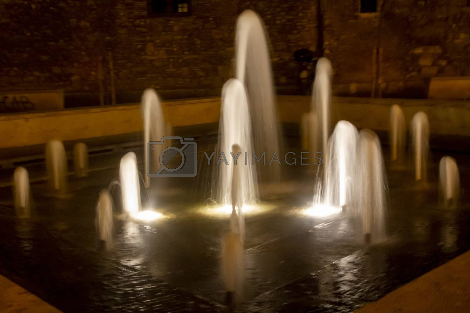 fountain of piazza del popolo in terni at night by carfedeph