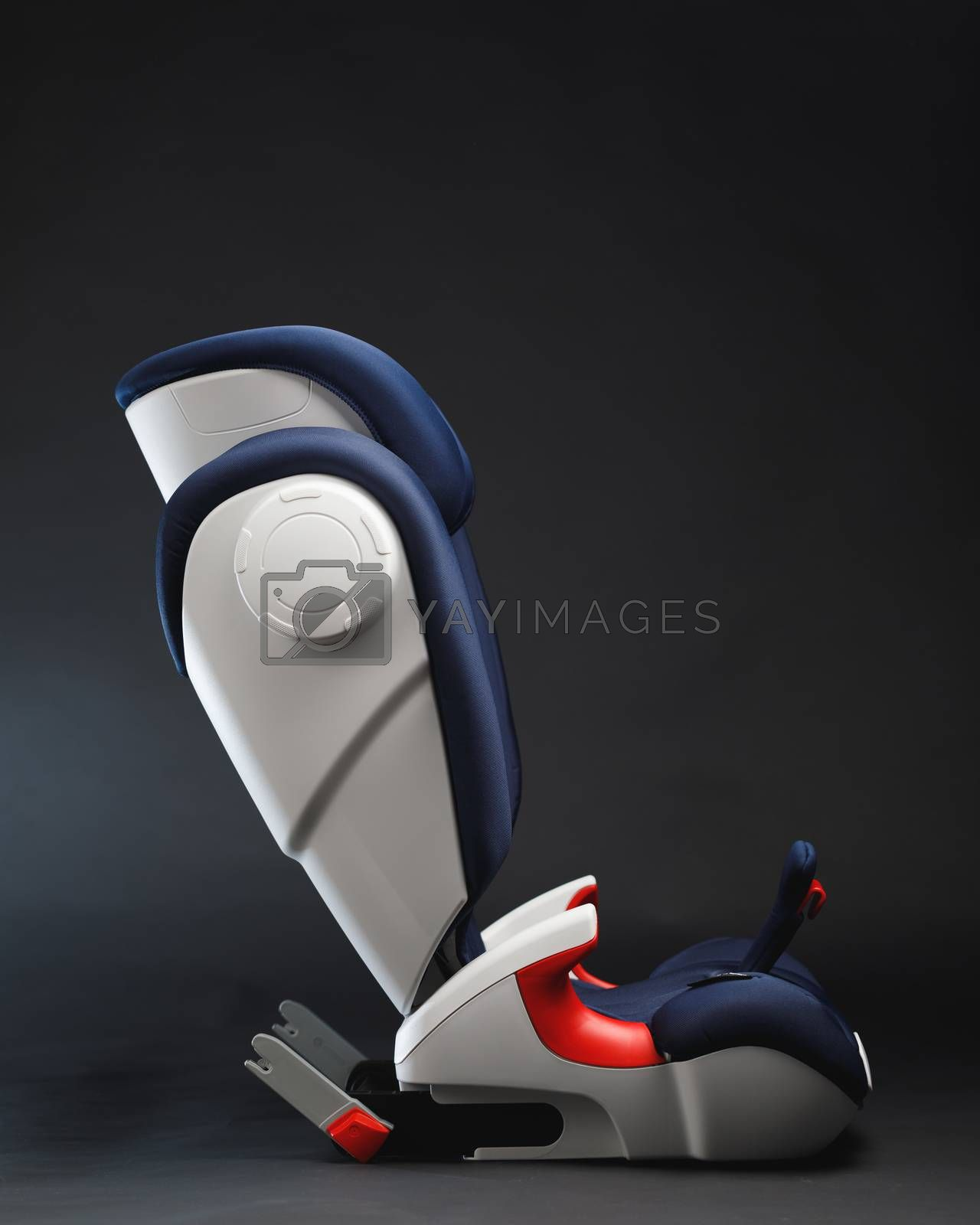 toddler car seat, side view, gray background