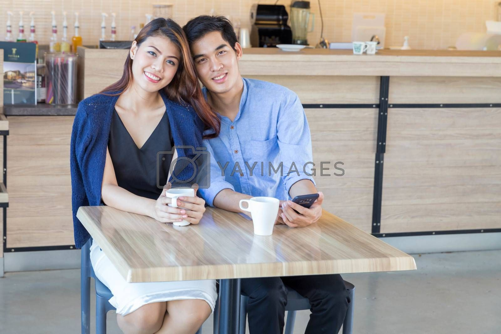 Lovly couple in coffee shop