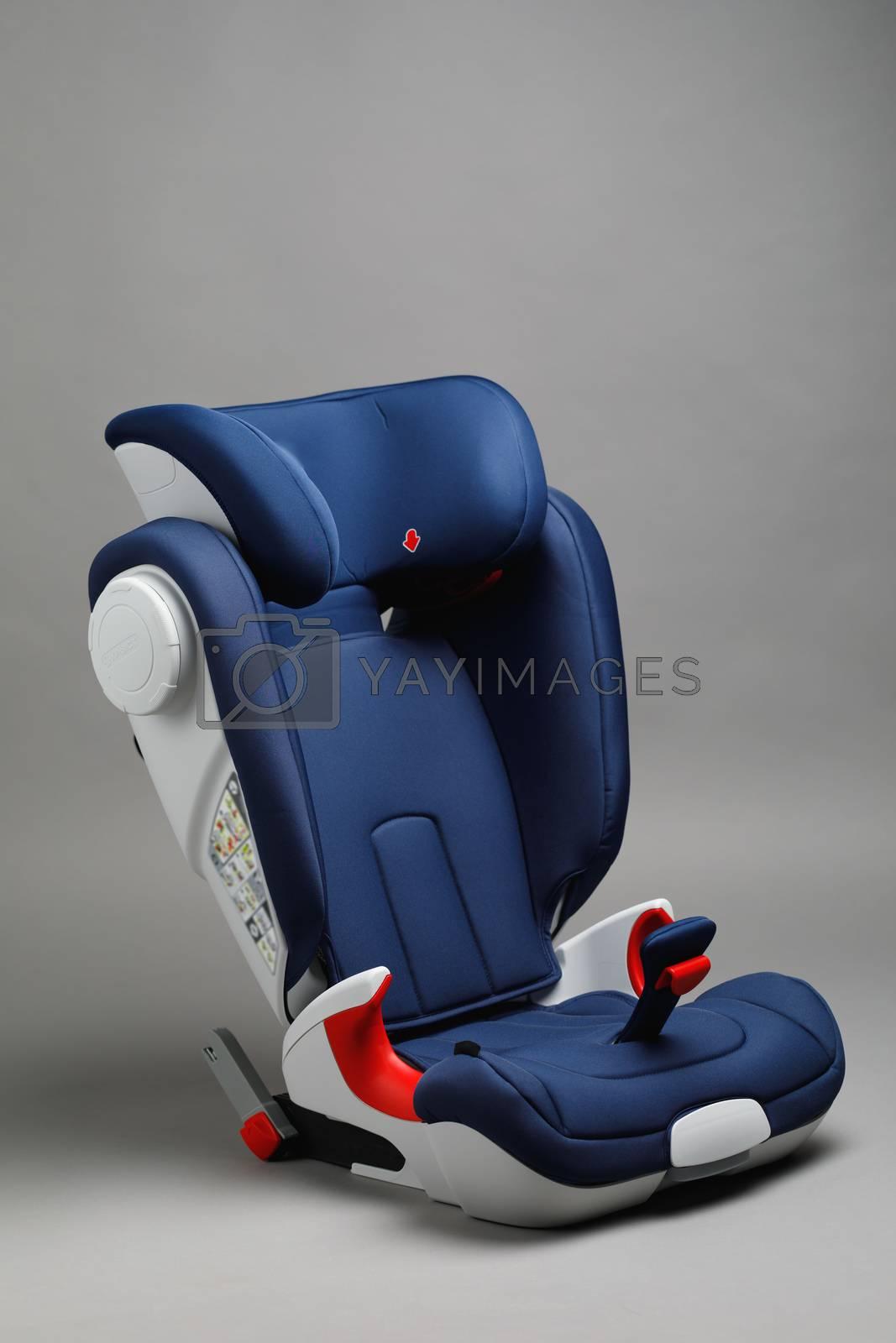 toddler car seat, gray background