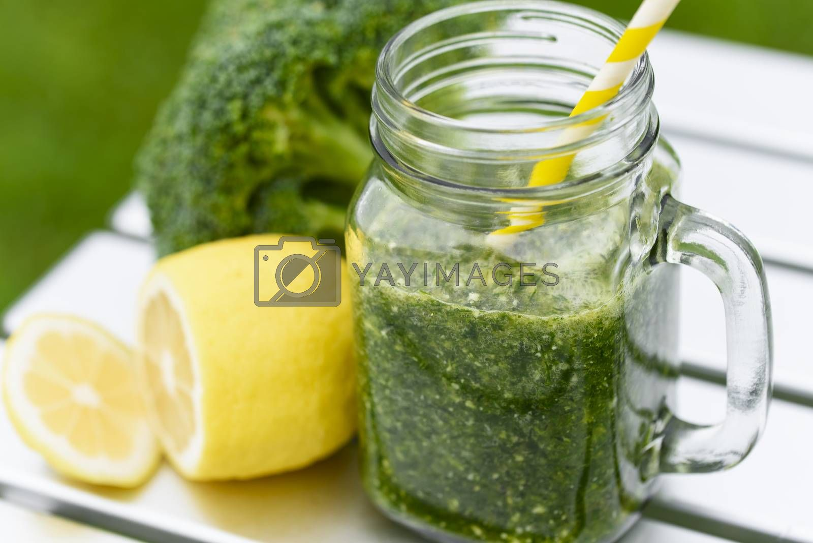 Green smoothie. Healthy smoothies with fresh ingredients.