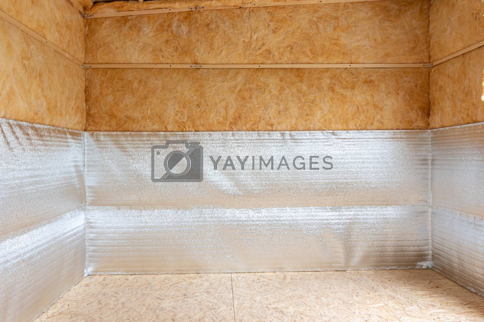 Bottom heat-insulating layer made of reflective polyethylene foam laminated with lavsan for house insulation