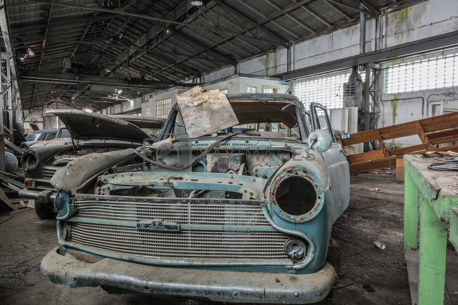 disassembled morris oxford front view