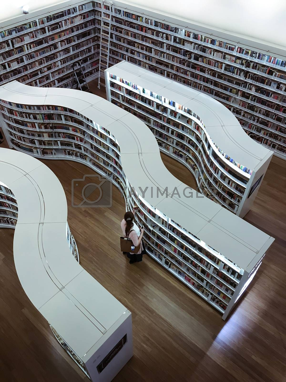 Modern looking layout in Library at Orchard. The place is next generation library with cozy and quiet ambiance located at Orchard Gateway near Somerset MRT Station in Singapore