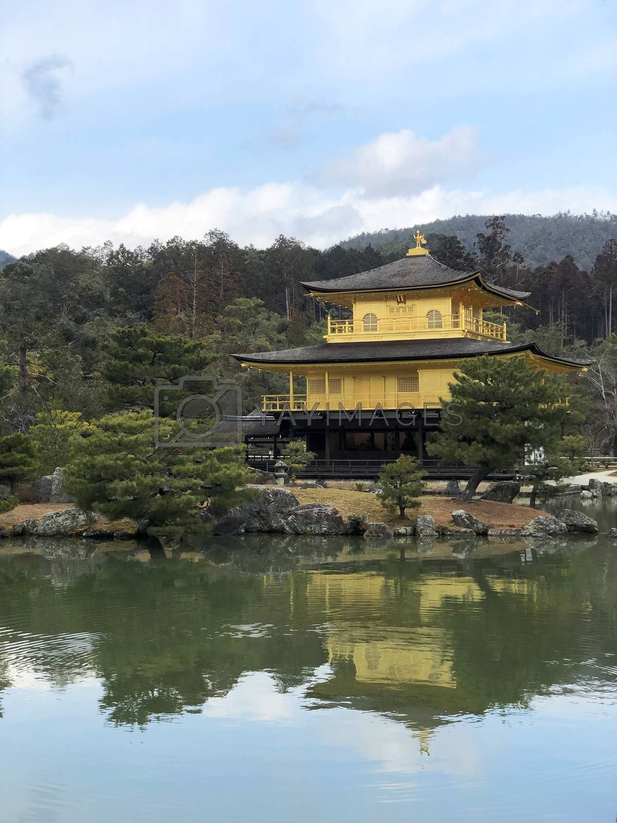 inkaku-ji, the Golden Pavilion,  temple in Kyoto, Japn