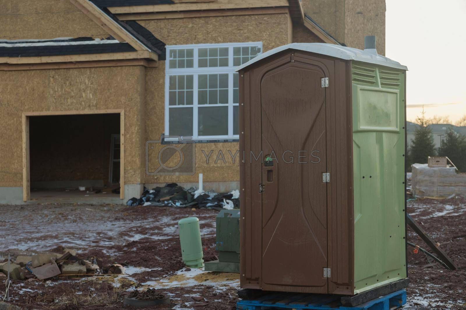 Transportable WC used in construction industry portable toilet cabin system.