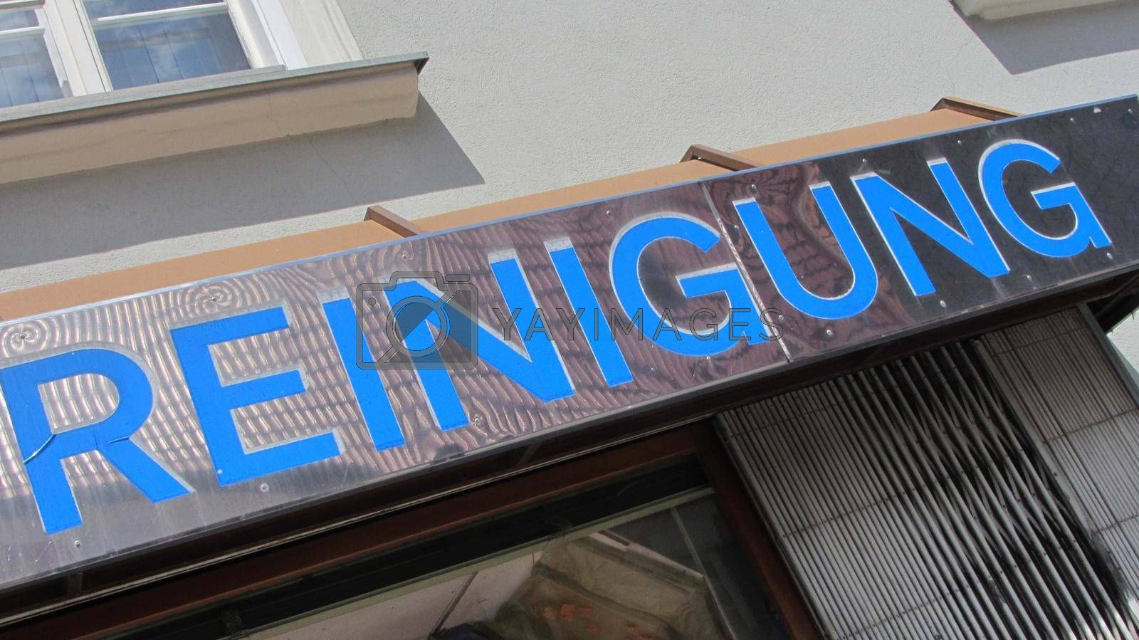 a sign for professional cleaning and hygienic service in german (Reinigung)