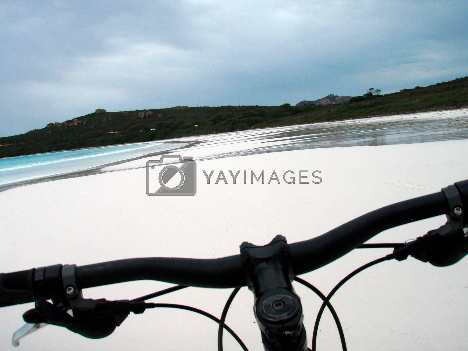 cycling tour at the beach in Australia, traveling with the bicycle