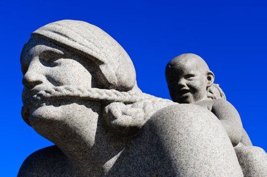 sculpture mother